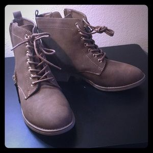 New! Xappeal brown booties